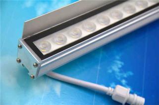 led硬灯条、带挡光板线型投光灯