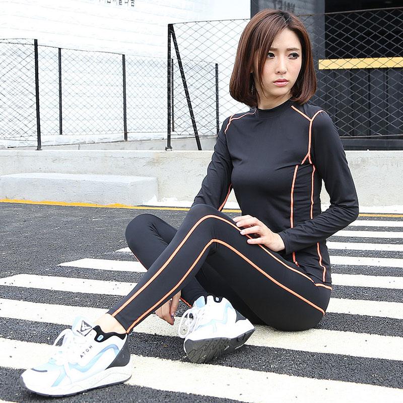 舒适 透气 速干 柔软 贴身 超弹力 专业综合训练 瑜伽训练 器械训练 跑步,专营韩国代购瑜伽服和韩版瑜伽服,设计时尚简约,款式新颖秉承健康时尚美丽的设计理念,专为热爱瑜伽的女性设计快时尚的瑜伽产品,让运动更轻松,让瑜伽更快乐一直是我们的追求。选取优质布料专为保护女性运动而设计,追求多变的色彩,瑜伽服款式多样,色彩鲜艳,总有一款您喜欢的款式可以选择。