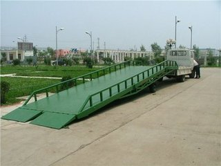 厂家直销优质爆款浙江升降机,浙江移动液压登车桥