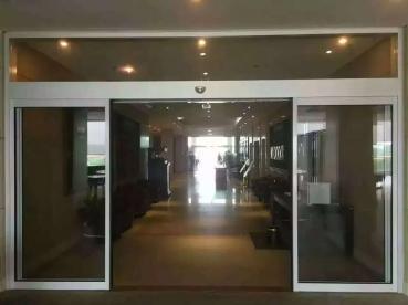 氟碳门玻璃门