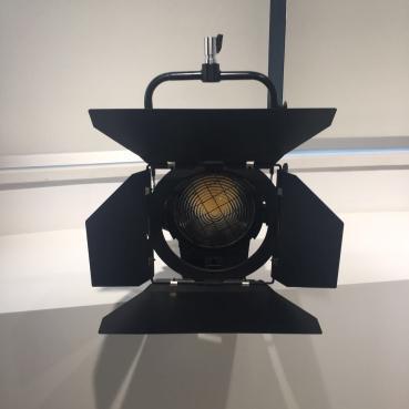 演播室专业灯具演播室聚光灯led新闻摄影灯补光灯