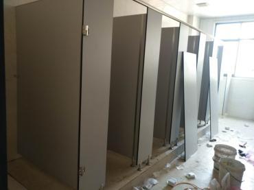 重庆卫生间隔断厂家