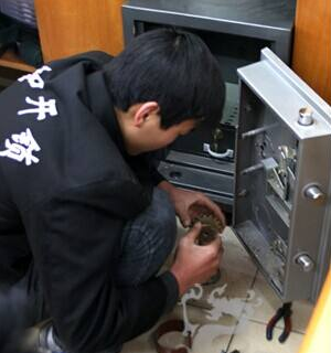 天津专业开锁换锁芯
