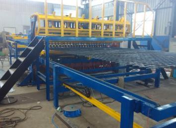 龙门丝网排焊机 高速公路护栏网专业排汗机