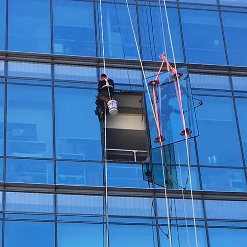 各种玻璃更换-福州外墙玻璃更换-福州高空玻璃安装-鸿仁公司
