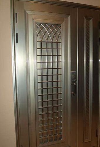 攸县防盗门设计新颖独特造型