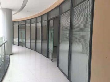 南昌玻璃隔断有哪些优点?