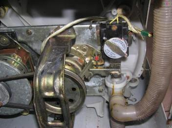 聊城空调维修技师有着准确的故障判断能力