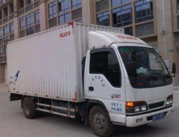 潍坊市搬家公司不求车辆较多,但求服务较好。