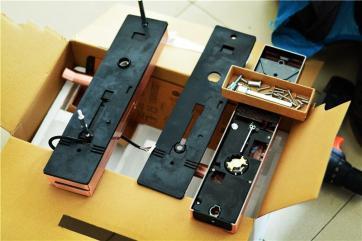 周口指纹锁安装只需您一个电话,我们24小时上门为您解决锁具问题。