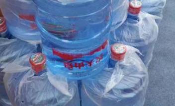 拨打江干区桶装水送水电话为您提供送货快捷,按时送到。