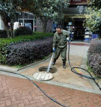 广州新塘区专业管道疏通 价格便宜合理