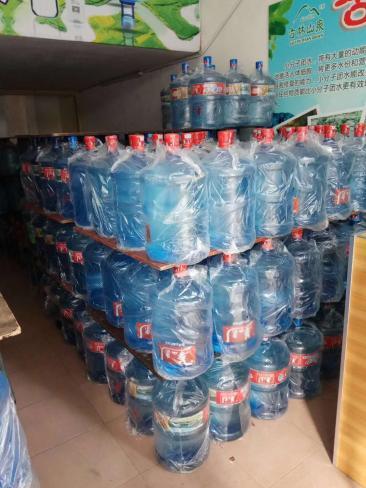 华山泉18元/江门桶装水配送服务电话是多少