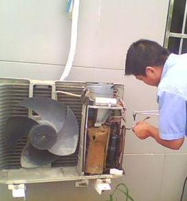 桂林专业空调维修║加氟║清洗║维护║中央空调维修
