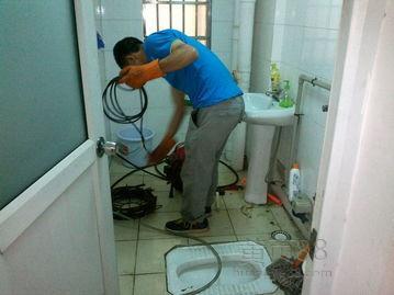徽鸿管道疏通服务部专业上门为常州化粪池清理客户提供专业的服务