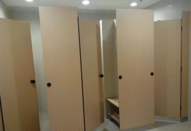 阜阳隔断装修工作人员岳师傅分析办公室装修隔断的优点