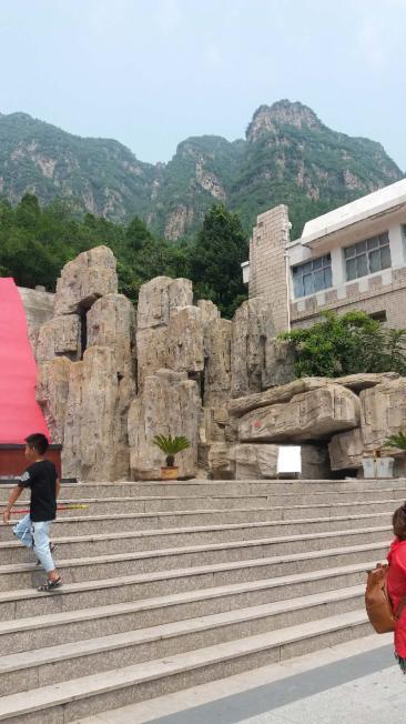 南宁塑石假山水池防水方式