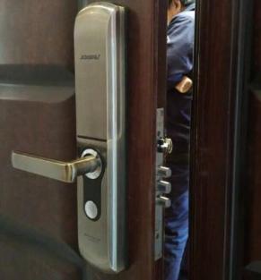 开封指纹锁密码锁