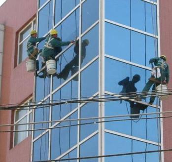 柳州玻璃幕墙、外墙清洗