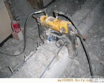 嘉兴混凝土切割混凝土切割机使用时要注意以下几点