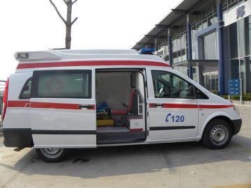 阳江出租救护车公司找哪家,昼夜服务,全国联动