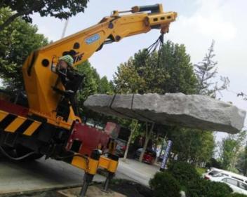 东海岛挖掘机出租服务到位
