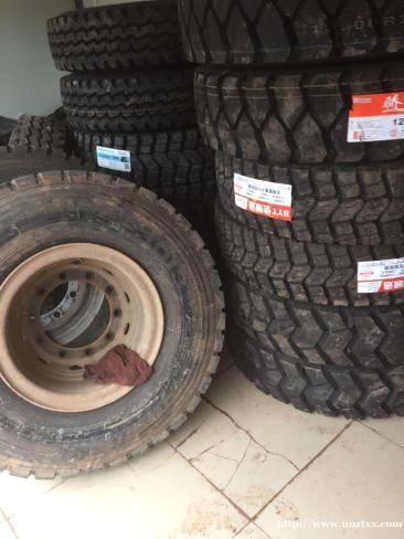 半坡泊车加速轮胎老化、换轮胎