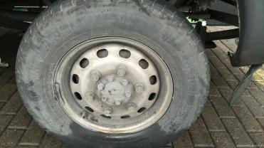 昆明换轮胎电话 轮胎和空气滤清器更换打什么电话