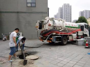 为啥要选择机器和人工结合来清理下水道