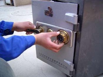 呼和浩特开锁师傅教你选择防盗锁
