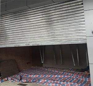 梅河口中美门业维修卷帘门