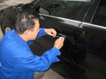 烟台开锁电话 轿车钥匙电子锁安全吗
