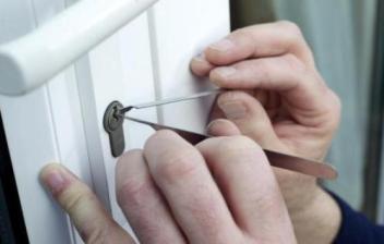 金华开锁换锁和换锁芯怎么才能更加安全防盗