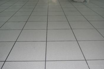 PVC地板带锁扣的更好用吗