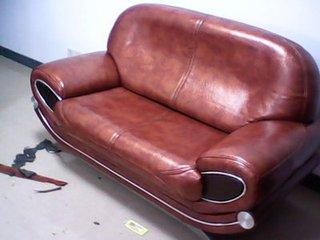 沙发翻新始终站在客户的角度着想