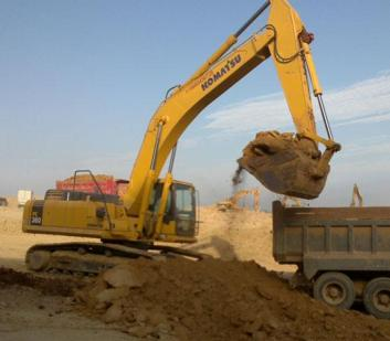 东莞型挖掘机出租超深加长臂挖掘机出租
