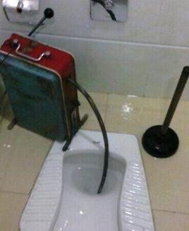 荣成洲宇疏通服务部分析厕所堵塞原因