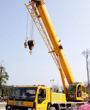 珠海吊车出租专业搬厂高空吊装作业