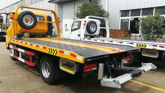 拖车救援的正确操作方法