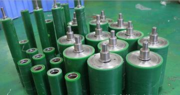 供应北京机械设备用传动胶轮聚氨酯包胶挂胶加工