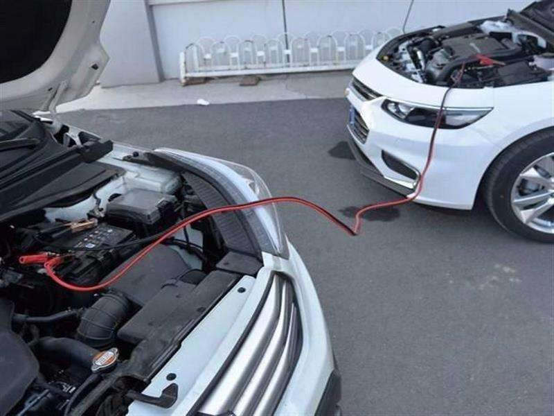汽车救援:打不着火的情况该如何搭电