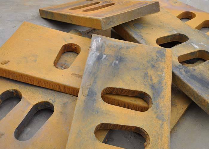 PE颚式破碎机肘板  颚式破碎机配件  颚式破碎机报价