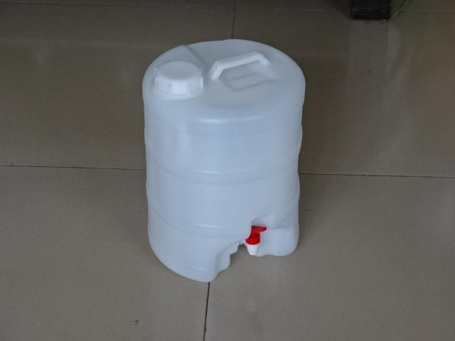 供应10公斤带水龙头塑料桶