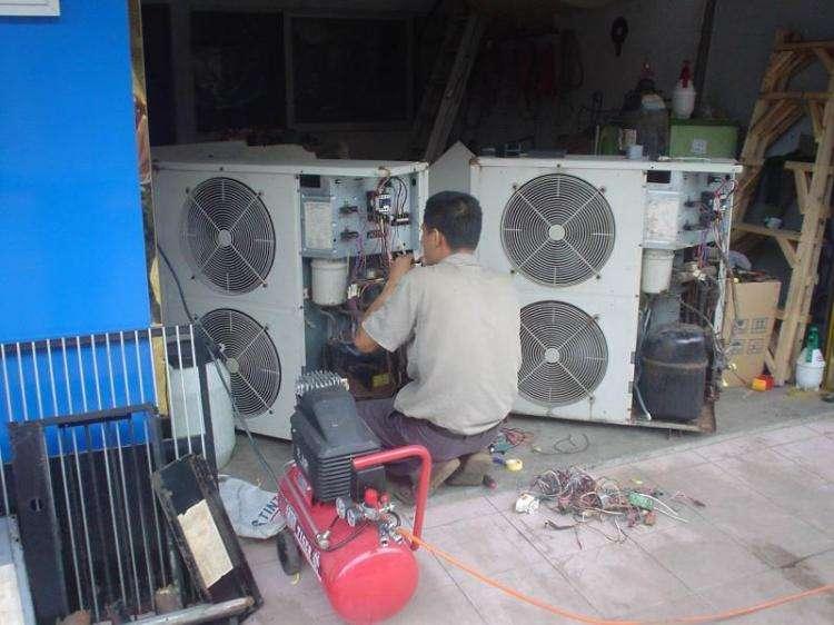 压机不转风扇转,一定先把电容看;   电容鼓包需更换,排除电容查供电