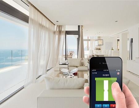 电动窗帘在家里的客厅,卧室等都可以使用,美观大方.