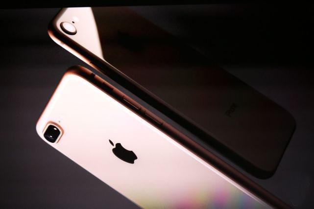 iPhone 8回归双面玻璃 售价5888元起