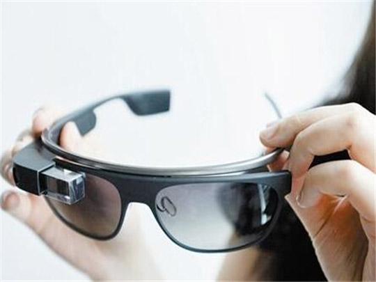 谷歌眼镜即将回归:新增AR增强现实功能
