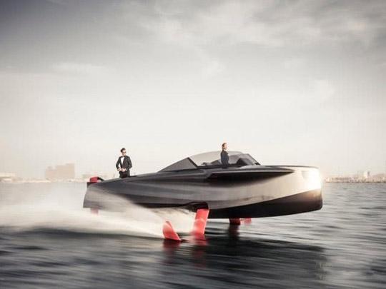 富人的玩具:Foiler水翼豪华游艇问世