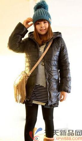 那么胖女孩们如何在冬季搭配衣服呢?让    第一,忌服装不合体.