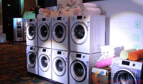 波轮洗衣机内部采用仿生鲸鱼鳍设计,波轮拒绝缠绕得到充分洗涤,3d劲浪